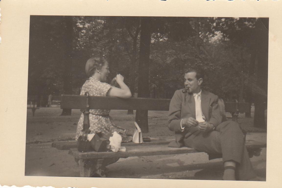 JanetAndBenInTheJardinDeLuxembourgParisAugust1955.jpg